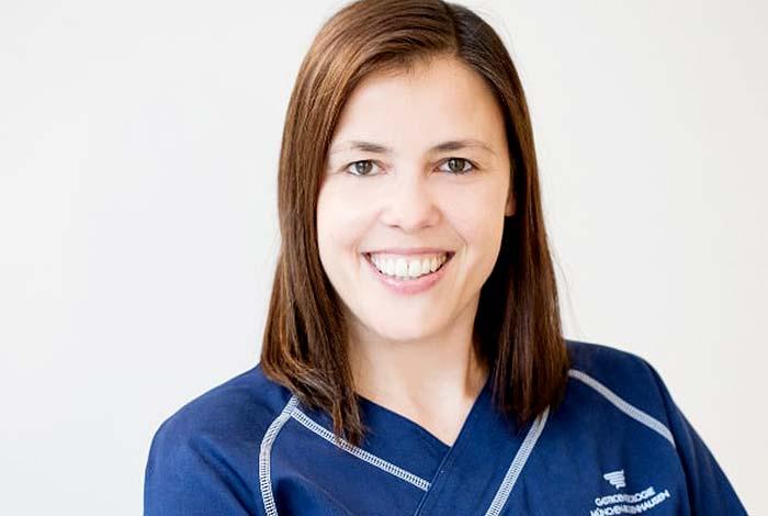 Frau Christine Ashlag | Praxis Dr. Pfundstein München | Magenspiegelung | Darmspiegelung | Gastroenterologe