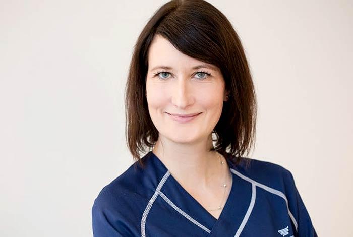 Frau Nicole Hochmuth | Praxis Dr. Pfundstein München | Magenspiegelung | Darmspiegelung | Gastroenterologe