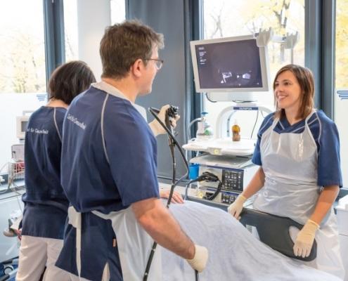 Herrn Dr. Pfundstein bei der Arbeit | München | Gastroenterologe | Magenspiegelung | Darmspiegelung